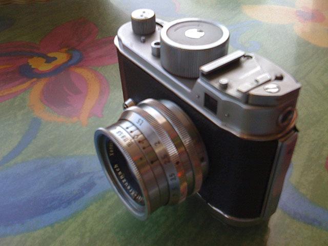 2009-04-08-robot-640px01